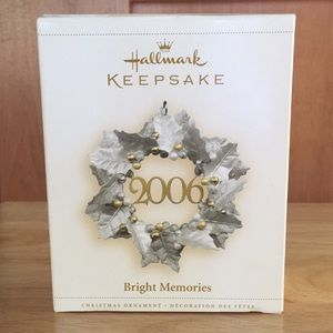 Hallmark Keepsake Ornament Bright Memories 2006